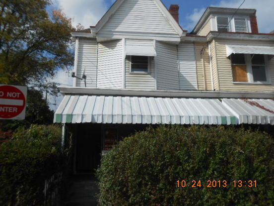 3 Bedrooms 1 Bathroom House for rent at 818 Ernie St in Pittsburgh, PA