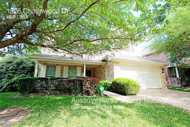 4 Bedrooms 3 Bathrooms House for rent at 1926 Chasewood Dr in Austin, TX