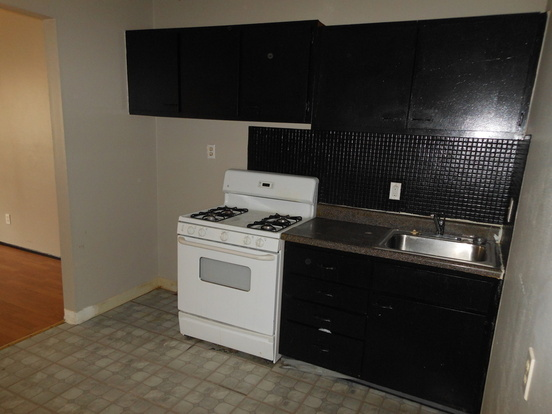 1 Bedroom 1 Bathroom House for rent at 813 Courtois in St Louis, MO