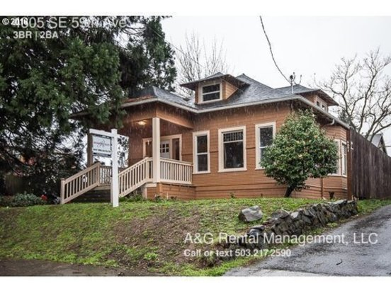 3 Bedrooms 2 Bathrooms House for rent at 4305 Se 59th Ave in Portland, OR