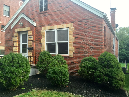 4 Bedrooms 2 Bathrooms House for rent at 7522 Lindbergh Dr in St Louis, MO