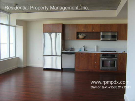 2 Bedrooms 2 Bathrooms House for rent at 1926 W Burnside St in Portland, OR