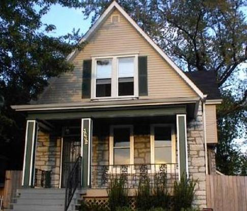 2 Bedrooms 1 Bathroom House for rent at 3232 S Big Bend in St Louis, MO
