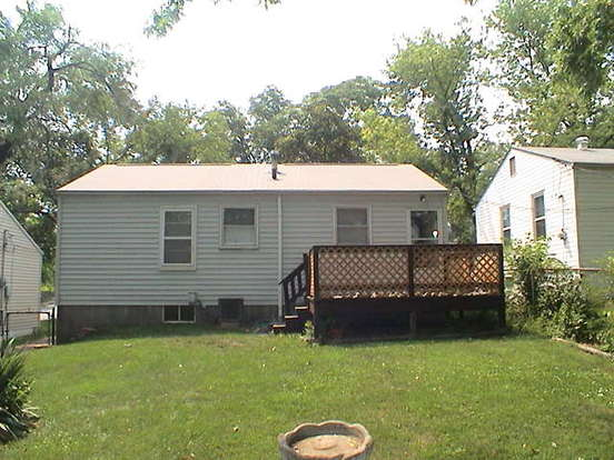 2 Bedrooms 1 Bathroom House for rent at 1936 Kraft in St Louis, MO