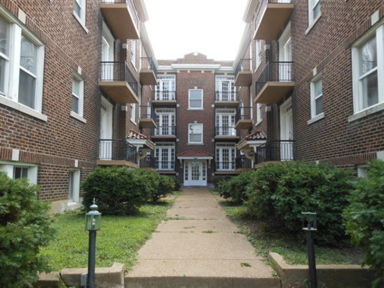 2 Bedrooms 1 Bathroom House for rent at 2624 S Kingshighway N in St Louis, MO