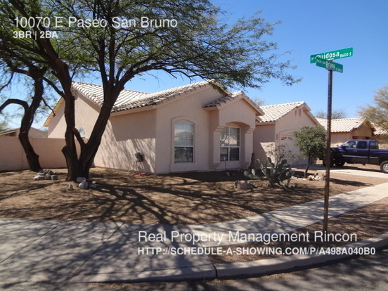 3 Bedrooms 2 Bathrooms House for rent at 10070 E Paseo San Bruno in Tucson, AZ