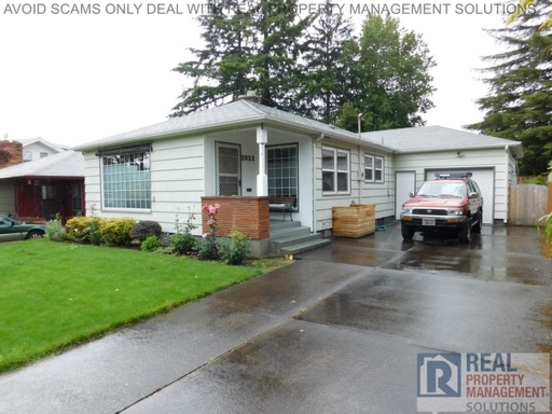 3 Bedrooms 2 Bathrooms House for rent at 3932 Ne 64th Ave in Portland, OR