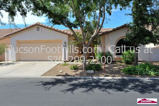 2 Bedrooms 2 Bathrooms House for rent at 3390 Desert Bend Loop in Tucson, AZ