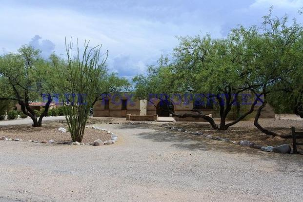 4 Bedrooms 2 Bathrooms House for rent at 11422 E. Holster Drive in Tucson, AZ