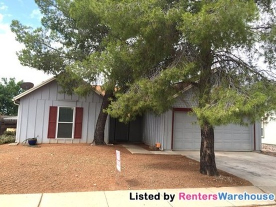 3 Bedrooms 2 Bathrooms House for rent at 10456 E Overland Rdg in Tucson, AZ