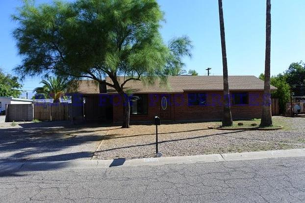 3 Bedrooms 2 Bathrooms House for rent at 6425 E. Calle Dened in Tucson, AZ