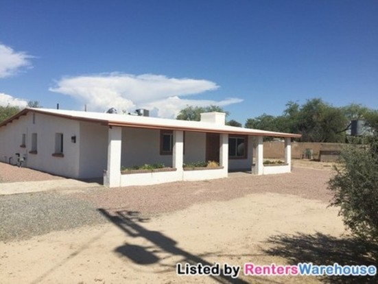 3 Bedrooms 2 Bathrooms House for rent at 4715 W Massingale Rd in Tucson, AZ