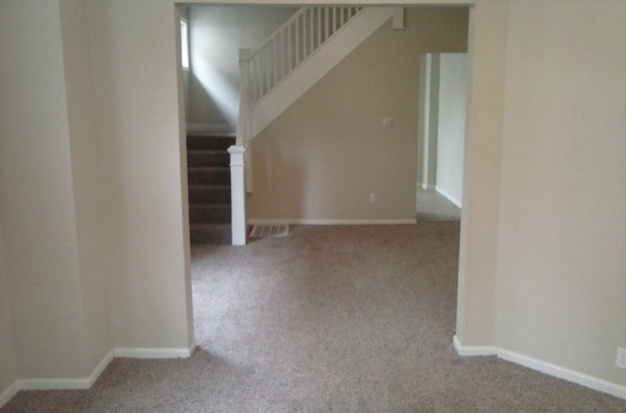 4 Bedrooms 2 Bathrooms House for rent at 805 07 N Hamilton Ave in Indianapolis, IN