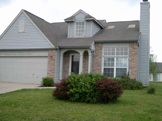 4 Bedrooms 2 Bathrooms Apartment for rent at 6446 Decatur Commons Dr in Indianapolis, IN