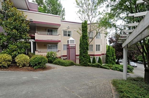 1 Bedroom 1 Bathroom Apartment for rent at 2512 E Madison St in Seattle, WA