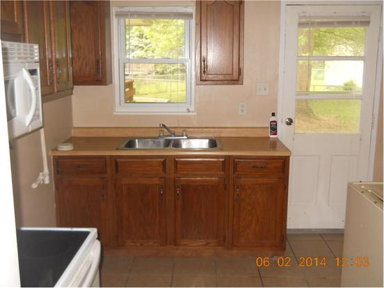 2 Bedrooms 1 Bathroom Apartment for rent at 1304 Farley Dr in Indianapolis, IN