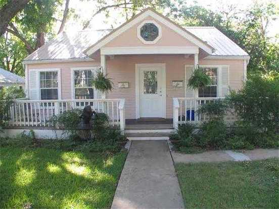2 Bedrooms 2 Bathrooms Apartment for rent at 5010 Evans Ave in Austin, TX