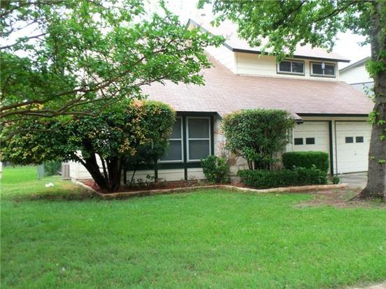 3 Bedrooms 3 Bathrooms Apartment for rent at 9739 Anderson Village Dr in Austin, TX
