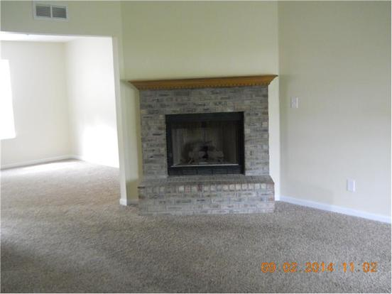 3 Bedrooms 2 Bathrooms Apartment for rent at 5571 Jillison in Indianapolis, IN