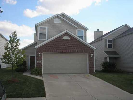 3 Bedrooms 2 Bathrooms Apartment for rent at 11631 Signet Ln in Indianapolis, IN