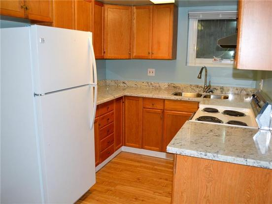 2 Bedrooms 1 Bathroom Apartment for rent at 6312 8th Ave Ne in Seattle, WA