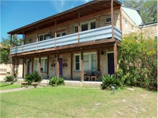 2 Bedrooms 1 Bathroom Apartment for rent at 2415 S 5th St in Austin, TX