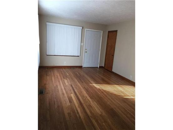 3 Bedrooms 1 Bathroom Apartment for rent at 1727 Coolidge in Indianapolis, IN
