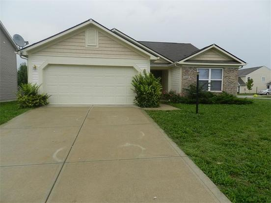 3 Bedrooms 2 Bathrooms Apartment for rent at 5439 Bombay Drive in Indianapolis, IN