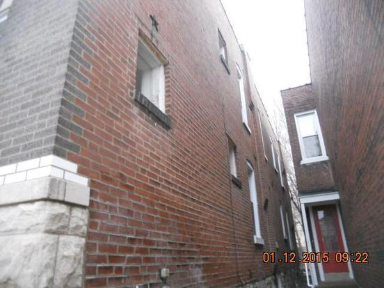 4 Bedrooms 2 Bathrooms Apartment for rent at 2626 Alhambra Court in St Louis, MO
