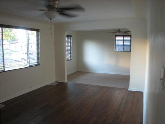 2 Bedrooms 1 Bathroom Apartment for rent at 1920 Willow Street in Denver, CO