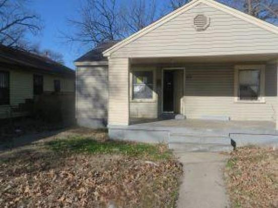 4 Bedrooms 2 Bathrooms Apartment for rent at 2322 Peres Avenue in Memphis, TN
