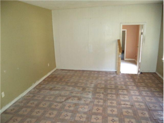 3 Bedrooms 1 Bathroom Apartment for rent at 1669 Winston Drive in Memphis, TN