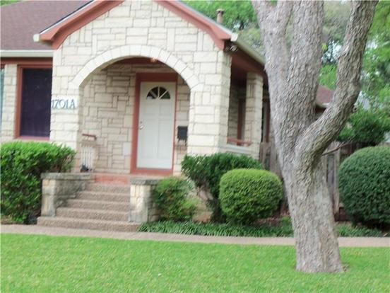 2 Bedrooms 1 Bathroom Apartment for rent at 1701 Forest Trai in Austin, TX
