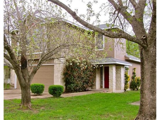 3 Bedrooms 3 Bathrooms Apartment for rent at 8129 Tockington Way in Austin, TX