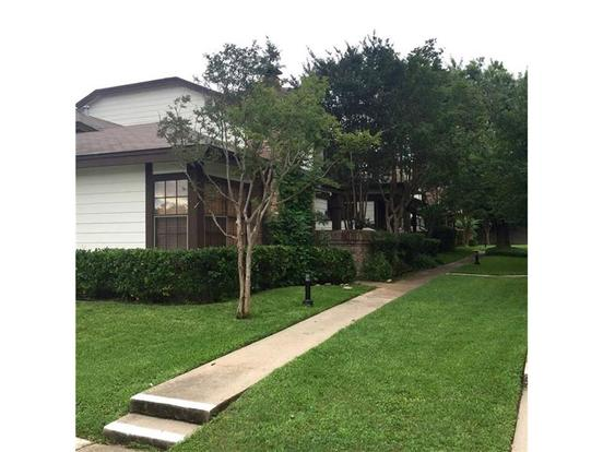 1 Bedroom 1 Bathroom Apartment for rent at 1748 Ohlen Rd in Austin, TX