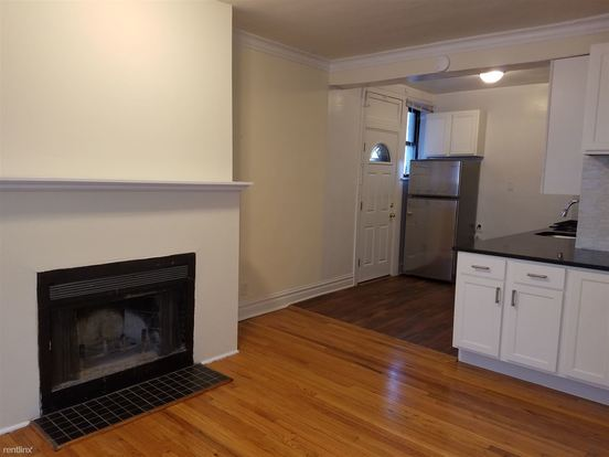 1 Bedroom 1 Bathroom Apartment for rent at 631 W Roscoe St in Chicago, IL