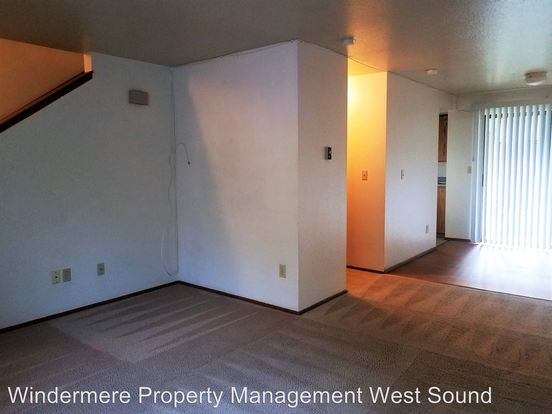 2 Bedrooms 1 Bathroom Apartment for rent at 10434 Ne State Hwy 104 in Kingston, WA