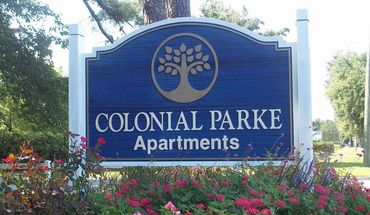 Colonial Parke Apartments