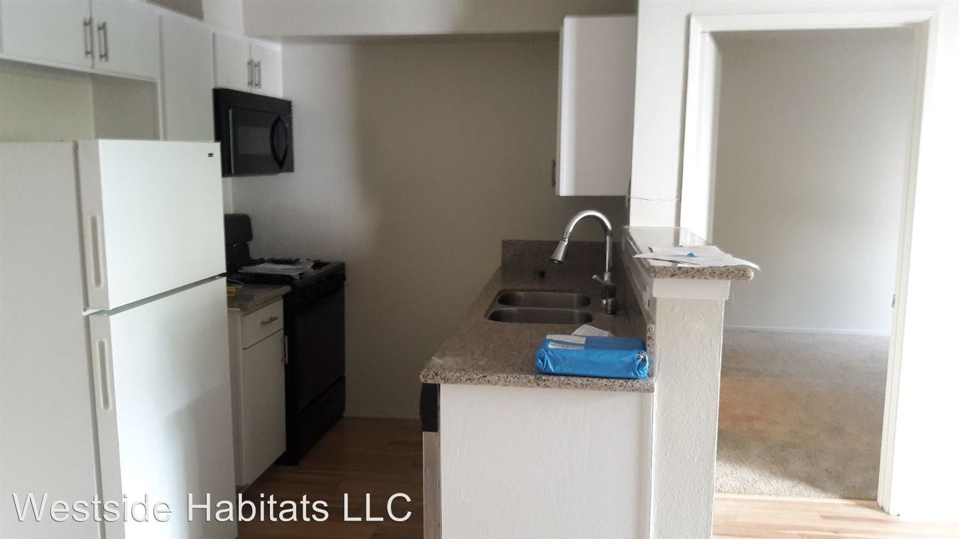 2 Bedrooms 2 Bathrooms Apartment for rent at 700 S. Berendo Ave in Los Angeles, CA