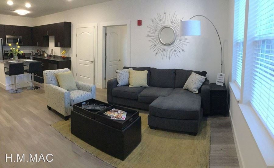 3 Bedrooms 3 Bathrooms Apartment for rent at 404 S. Washington Street in Bloomington, IN