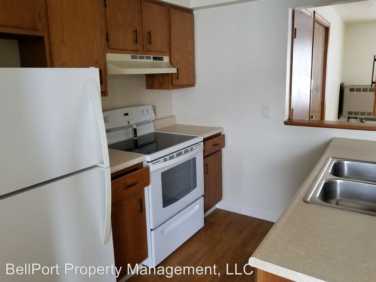 2 Bedrooms 1 Bathroom Apartment for rent at 197 New Gorham Road in Westbrook, ME