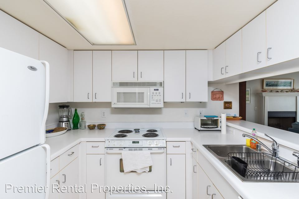 2 Bedrooms 2 Bathrooms Apartment for rent at 3004 6th Ave in San Diego, CA