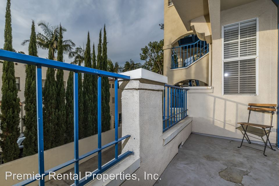 2 Bedrooms 2 Bathrooms Apartment for rent at 3220 First Avenue in San Diego, CA