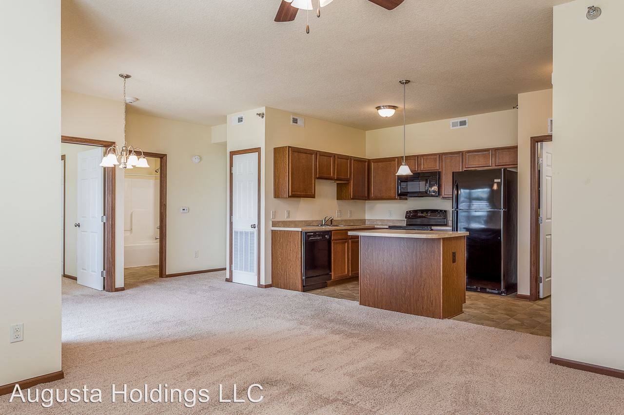 2 Bedrooms 2 Bathrooms Apartment for rent at 5801 Se 24th St in Des Moines, IA