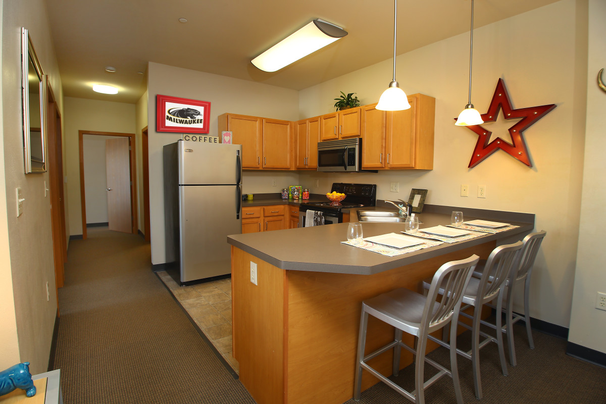 The park at 1824 milwaukee see pics avail - 1 bedroom apartments milwaukee wi ...