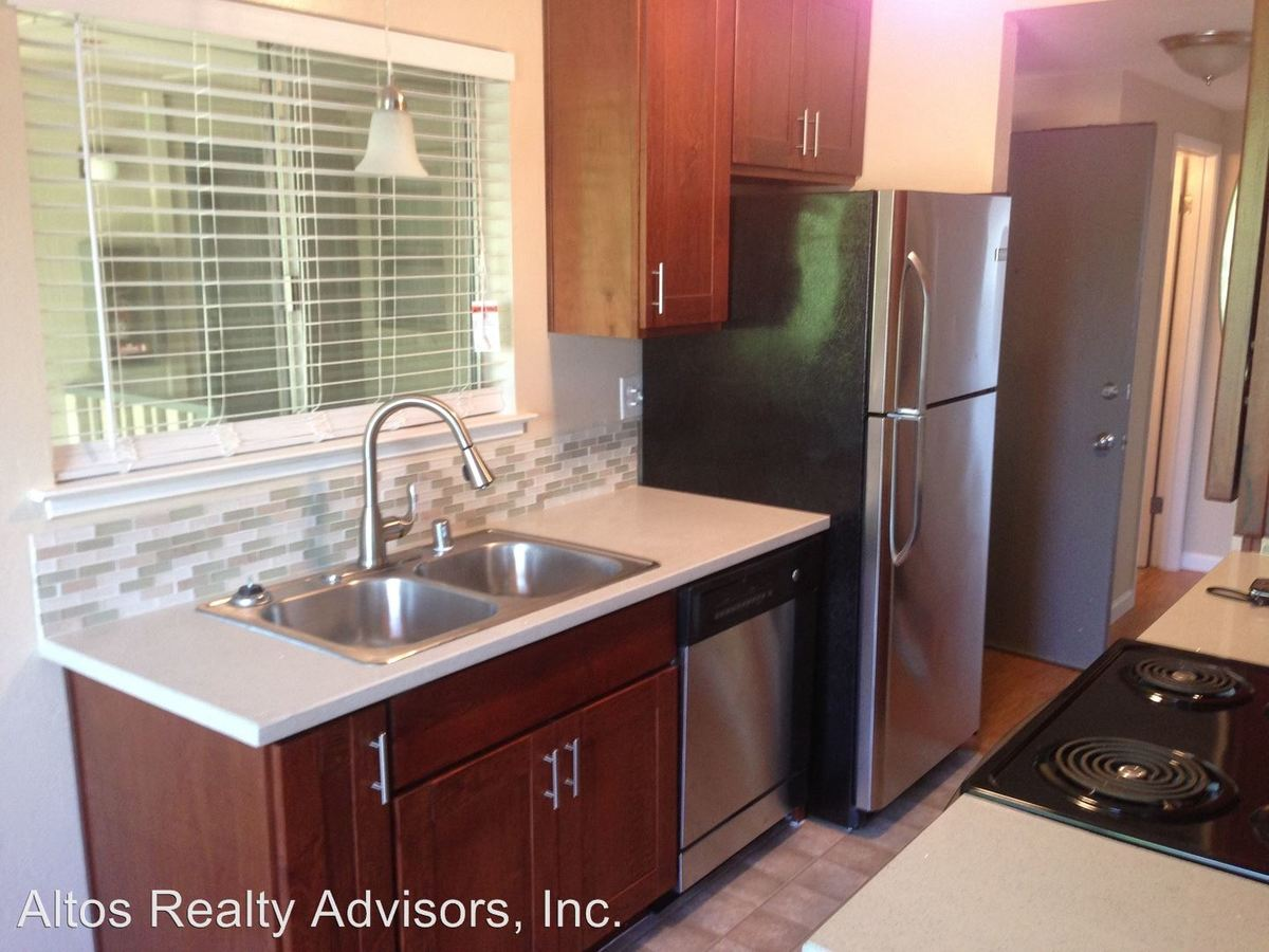 2 Bedrooms 1 Bathroom Apartment for rent at 565 Saratoga Avenue in Santa Clara, CA