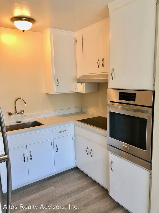 2 Bedrooms 1 Bathroom Apartment for rent at 770 Coleman Avenue in Menlo Park, CA