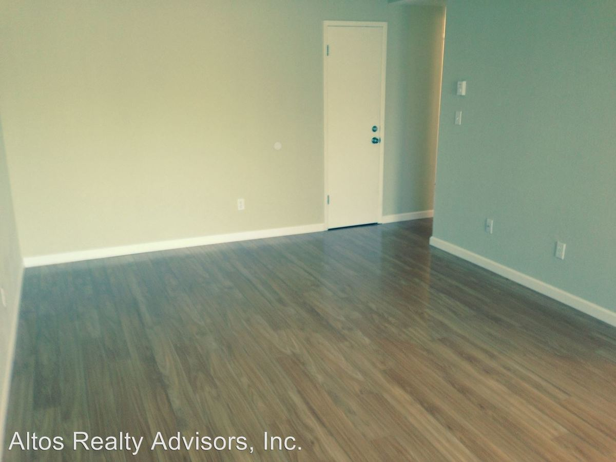 2 Bedrooms 1 Bathroom Apartment for rent at 565 Saratoga Avenue in Santa Clara, CA