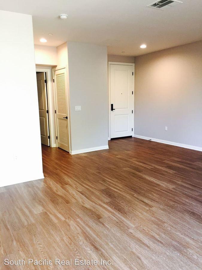 Studio 1 Bathroom Apartment for rent at 10455 Magnolia Blvd., in North Hollywood, CA