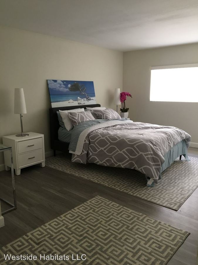 2 Bedrooms 2 Bathrooms Apartment for rent at 960 N. Alfred Street in Los Angeles, CA